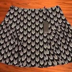 GREYLIN 🖤 Black and White Printed Mini Skirt NWT